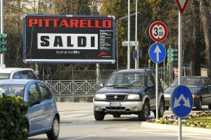 Pittarello affissione stradale grande formato